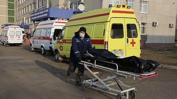 В России в четверг зафиксировано рекордное количество смертей от коронавируса