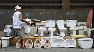فروش توالت در فیلیپین