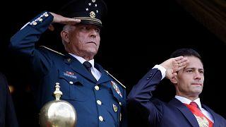 Eski Meksika Savunma Bakanı Salvador Cienfuegos (solda) / Arşiv