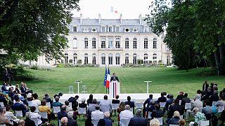 الرئيس الفرنسي إيمانويل ماكر��ن يلقي خطابا عن المناخ من قصر الإليزيه في باريس، فرنسا.