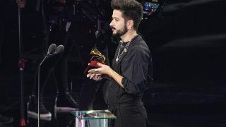 """Camilo recoge el premio a la Mejor canción pop por  """"Tutu"""", Miami 19/11/2020"""
