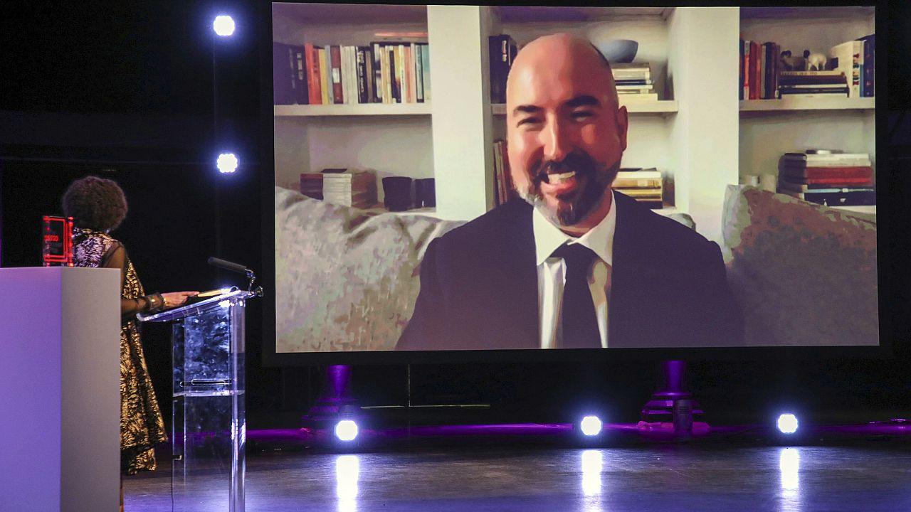 Нынешний лауреат принимал поздравления по видеосвязи