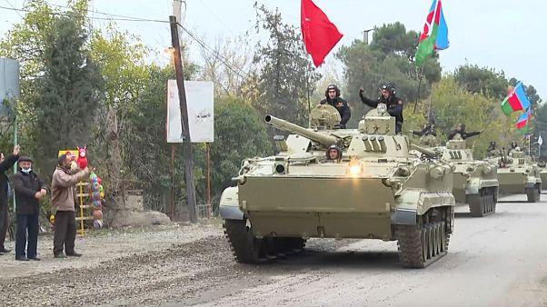 Forças militares do Azerbaijão entram em Agdam