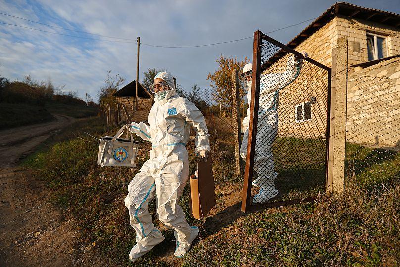 Roveliu Buga/AP Photo
