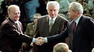 رؤساء كرواتيا والبوسنة وصربيا بعد توقيع اتفاق السلام