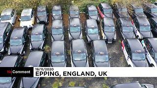 Londra'da taksilerini 'araç mezarlığına' çeken sürücülerin sayısı artıyor