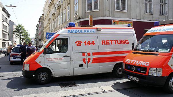 Mentőautó Ausztriában - illusztráció