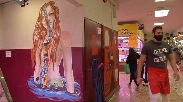 Рынок в Мадриде украсили уличные художники