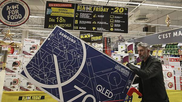 "Amazon adia ""Black Friday"" em França"