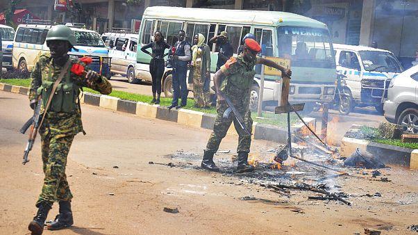 16 pessoas mortas em confrontos no Uganda