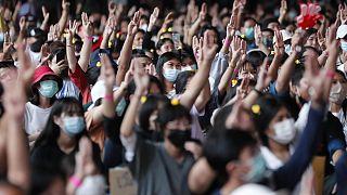Thailandia: nuove proteste a Bangkok, anche gli studenti in piazza