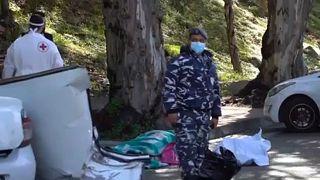 حادث سيارة يودي بحياة 5 سجناء لبنانيين أثناء محاولتهم الهرب بعيدا عن سجن بعبدا حيث كانوا محتجزين