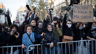 Paris'te güvenlik yasası protesto edildi