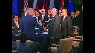 Firma del los Acuerdos de Dayton el 21 de noviembre de 1995