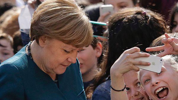Angela Merkel egy berlini iskolában, 2016-ban
