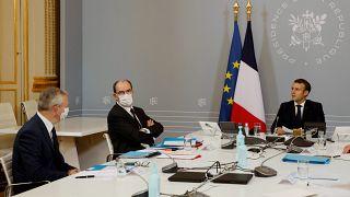 Emmanuel Macron, Jean Castex et Bruno Le Maire lors d'une visioconférence à l'Elysée, Paris, le 17 novembre 2020