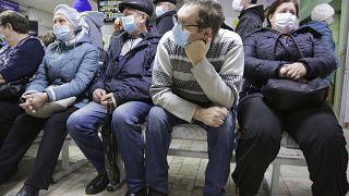 В очереди к врачу, Омск, ноябрь 2020 г.