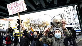 Covid-19 : inquiétudes et manifestations en Europe