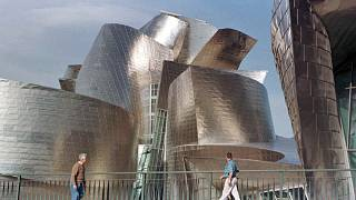 Здание музея Гугенхайма в Бильбао, спроектированное Фрэнком Гэри, относится к шедеврам современной архитектуры
