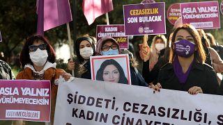 مظاهرات لوقف العنف ضد النساء في تركيا