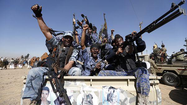السعودية نيوز |      اليمن: الحوثيون يعلنون استهداف منشأة لشركة أرامكو السعودية في جدة