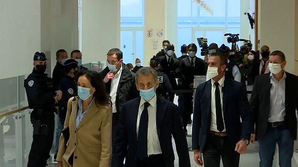 ویدئوی نیکلا سارکوزی در دادگاه به اتهام اعمال نفوذ غیرقانونی