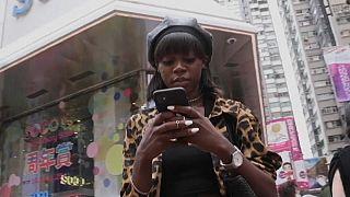En Chine, une jeune mannequin noire redéfinit les standards de beauté