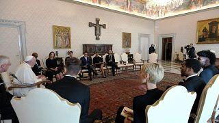 البابا فرانسيس يلتقي بلاعبي الدوري الأمريكي للمحترفين لكرة السلة لمناقشة قضايا العدالة الاجتماعية