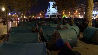 Evacuation controversée de migrants au centre de Paris