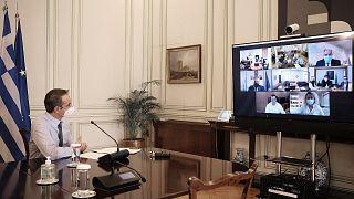 Τηλεδιάσκεψη του πρωθυπουργού Κυριάκου Μητσοτάκη με τους διοικητές των 7 ΥΠΕ της Ελλάδας
