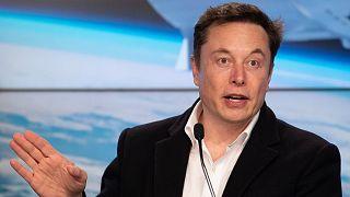 إيلون ماسك رئيس شركة تسلا لصنا��ة السيارات الكهربائية