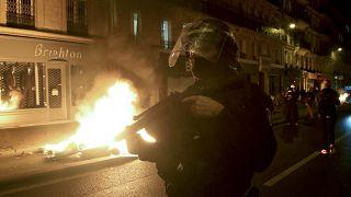 Ausschreitungen am Rande einer Demonstration gegen Polizeigewalt Dienstagabend (24.11.) in Paris
