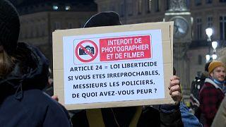 """Bordeaux : manifestation contre la loi """"sécurité globale"""""""