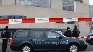 Almanya'nın başkenti Berlin'de Başbakanlık binasına saldırı girişimi