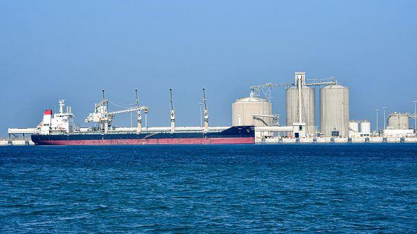 السعودية نيوز |      انفجار على متن ناقلة يونانية في ميناء الشقيق السعودي ولا إصابات