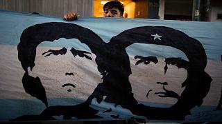 پرچم آرژانتین با نقشی از مارادونا