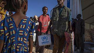 Жители Эфиопии бегут от войны