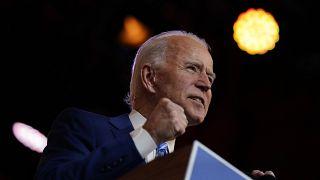 """Biden alerta para a Covid e trump insiste na """"fraude"""""""