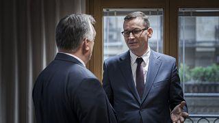Orbán Viktor és Mateusz Morawiecki a visegrádi országok egyeztetésén, a brüsszeli EU-csúcs ülése előtt 2020. október 1-jén.