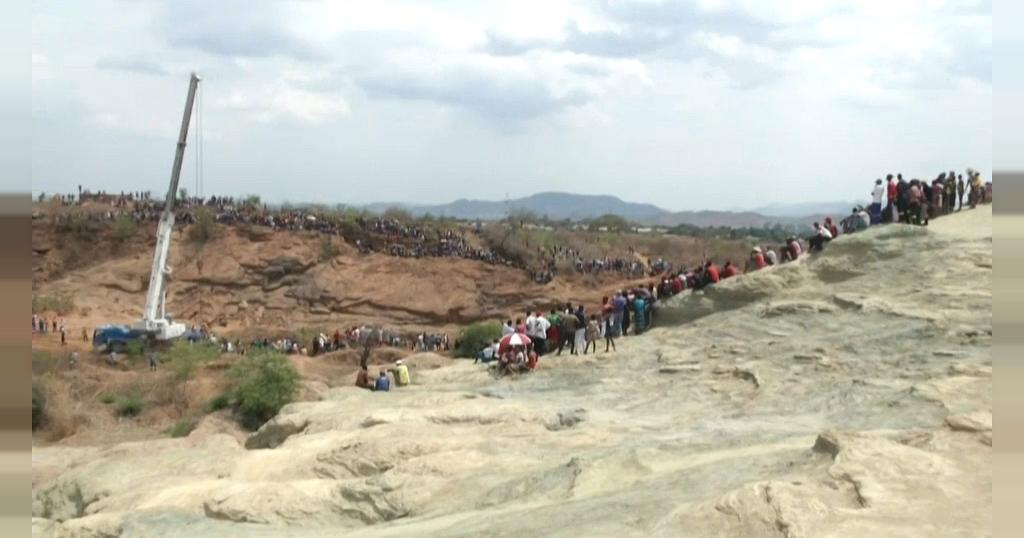 Zimbabwe: Dozens trapped after gold mine collapse