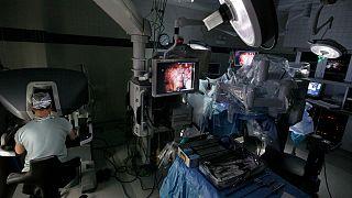 نظام جراحة آلي