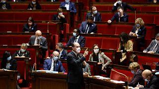 رئيس الوزراء الفرنسي جان كاستكس أثناء حديثه في الجمعية الوطنية في باريس، 10 نوفمبر 2020