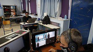 Οι αίθουσες διδασκαλίας έγιναν studio