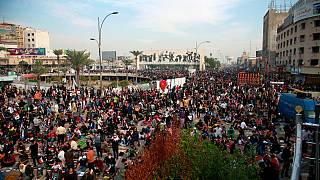 دهها هزار نفر از هواداران مقتدی صدر در بغداد راهپیمایی کردند