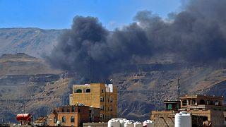 غارة جوية من قبل التحالف بقيادة السعودية على مواقع الحوثيين في العاصمة اليمنية صنعاء، 27 نوفمبر/ تشرين الثاني 2020