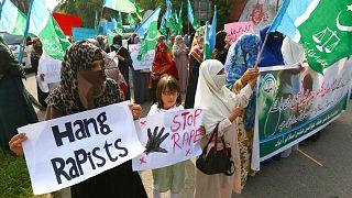 تظاهرات اخیر یک گروه مذهبی علیه جرائم جنسی در پاکستان