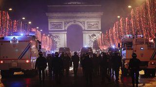 آیا فرانسه به سوی توتالیتاریسم میرود؟