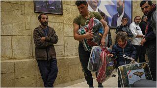 فرار الأسر السورية من القرية