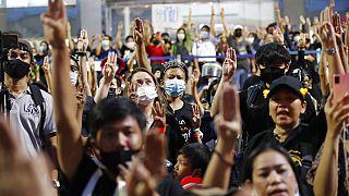 Nueva jornada de protestas pacíficas en Bangkok a favor de una nueva constitución
