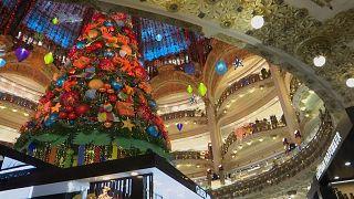 Vítores para los clientes en tiendas y centros comerciales de Francia